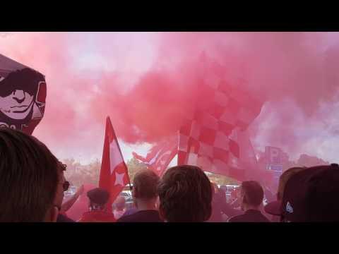 HJK - HIFK (Helsinki Derby) HIFK Ultras March to Stadium 31.07.2017