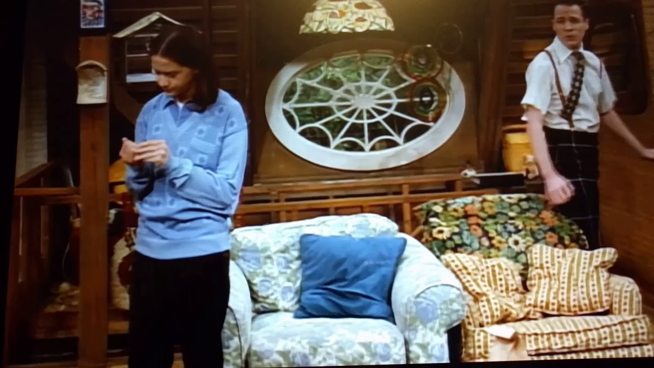 """Download """"Aren't you forgetting something?"""" 3rd Rock from the Sun Season 3 Episode 8"""