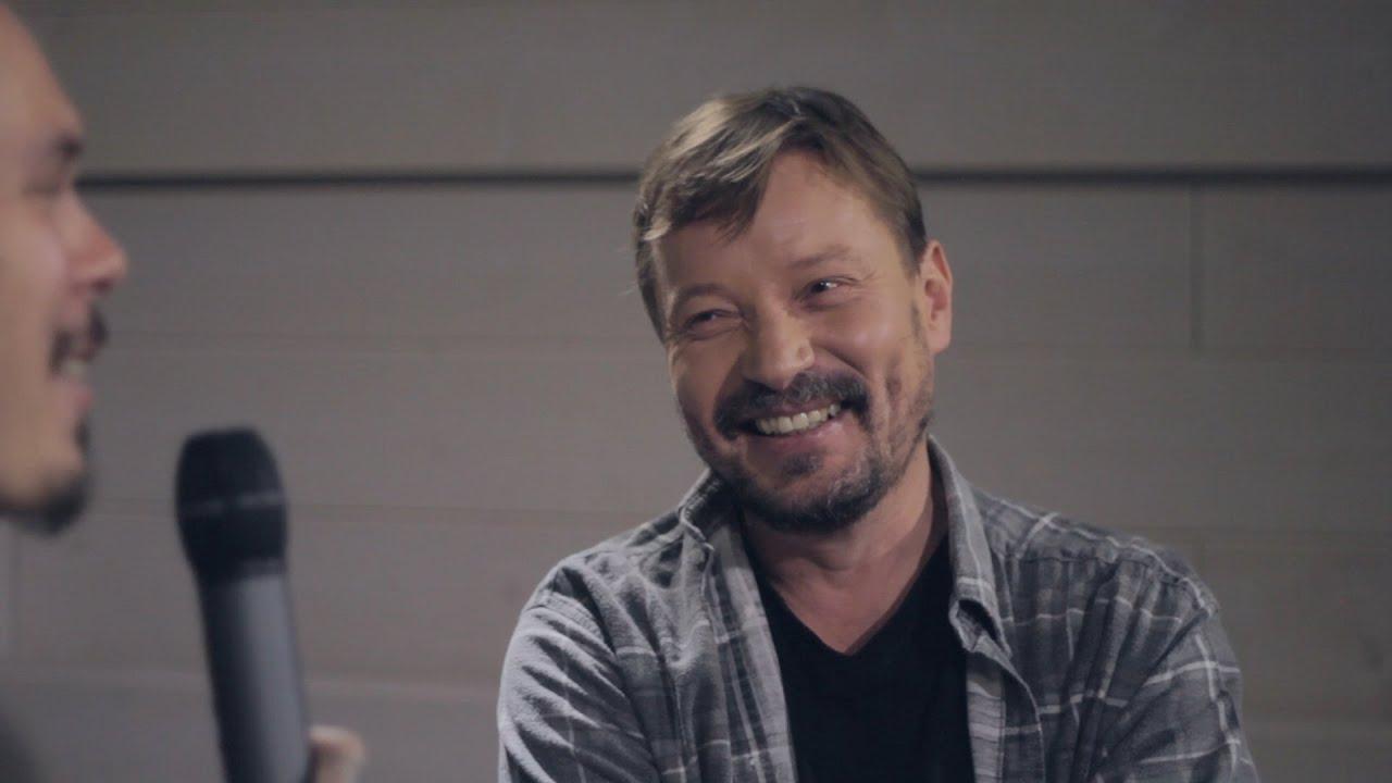 Pauli Hanhiniemi Radio Novan haastattelussa uuden sooloalbumin myötä - YouTube
