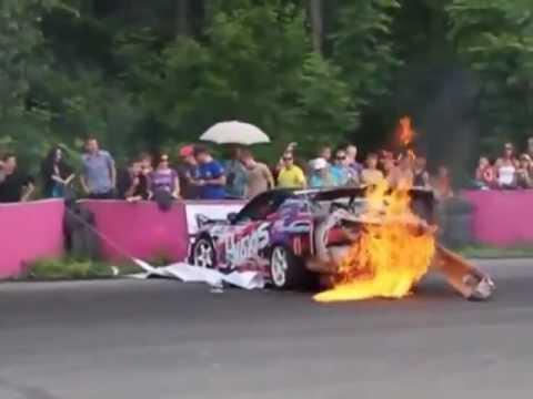 видео: Авария на соревнованиях по дрифту в городе Артёме 2