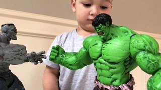 Father and son unbox Incredible red Hulk toy