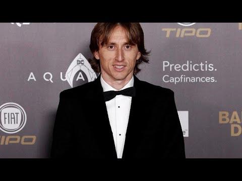 Luka Modric vence Bola de Ouro e deixa Ronaldo em segundo