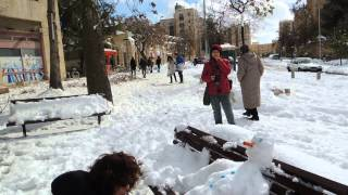 art in snow in Jerusalem - French Hill. Photo by Dorit Weisman. Artist - unknown