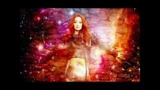 Watch Tori Amos Twinkle video