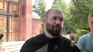 Father Vukašin explains Orthodox theology to American students