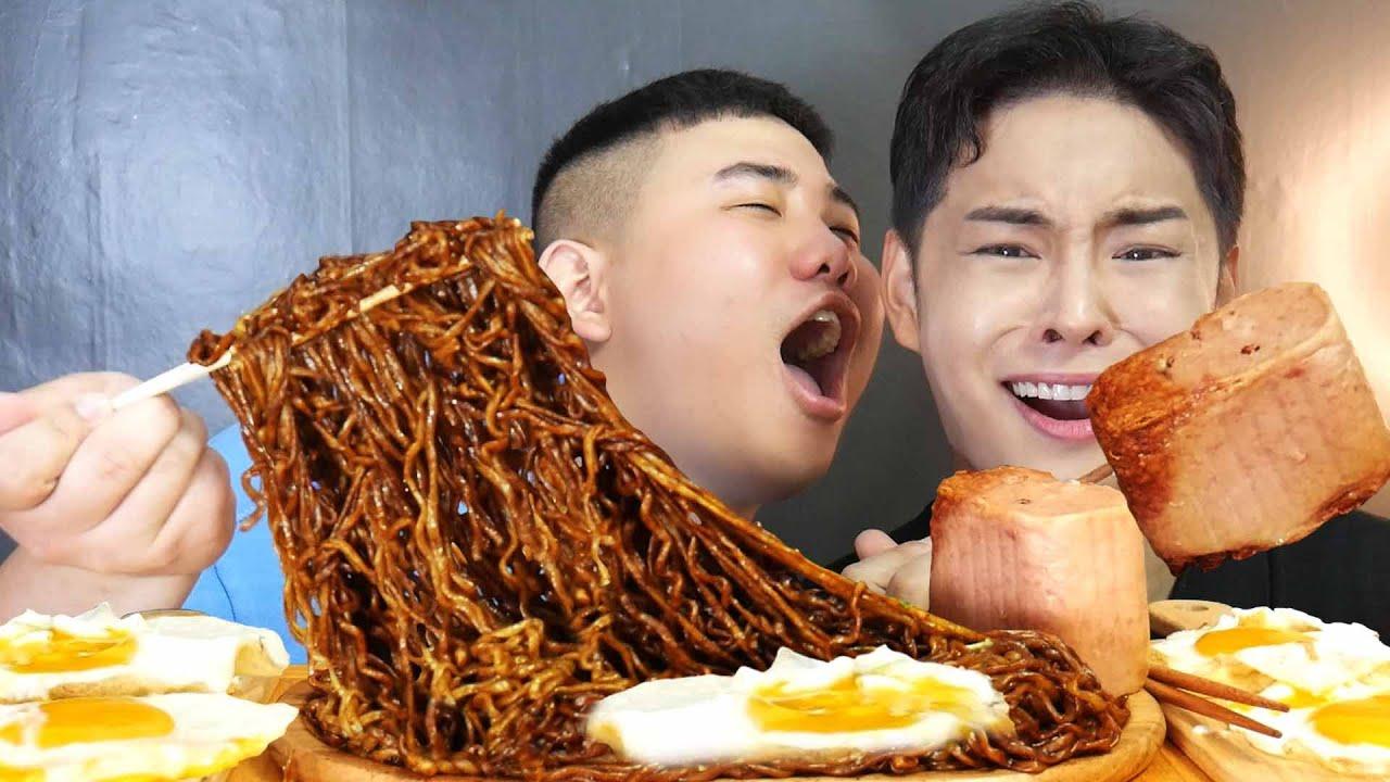 리얼먹방)ASMR MUKBANG 박병창 이미지를 망치면서 먹는 삼선짜파게티 통스팸 계란반숙 리얼사운드 먹방 Black Bean Noodles SPAM egg EATING SOUND