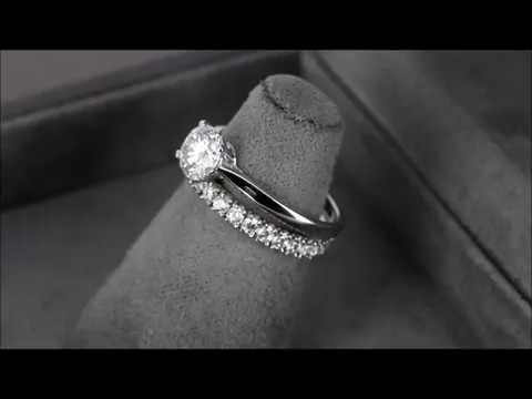 Комплект колец (обручальные + помолвочное) из белого золота с бриллиантами 537bb0129c7