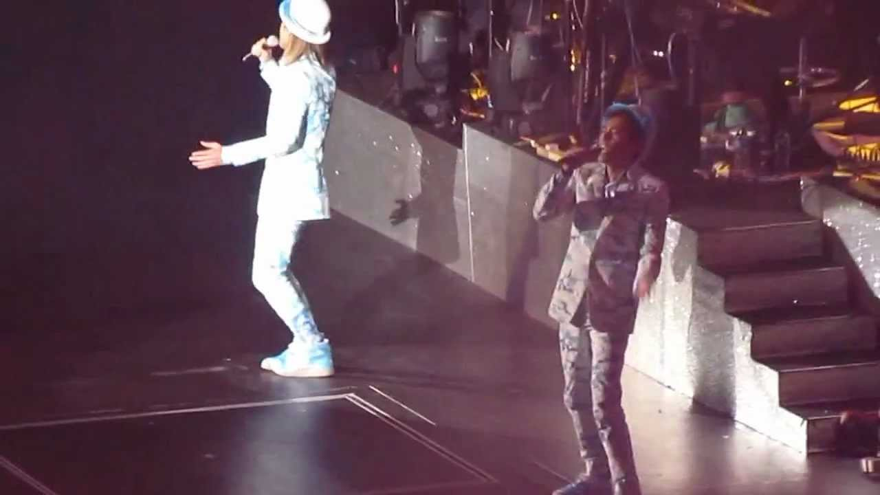 Shine Passion Live 演唱會 - 祖與占 31/12/12 - YouTube