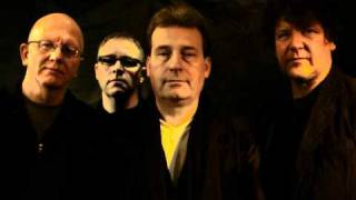 Honeymoon On Mars - Clock On The Wall