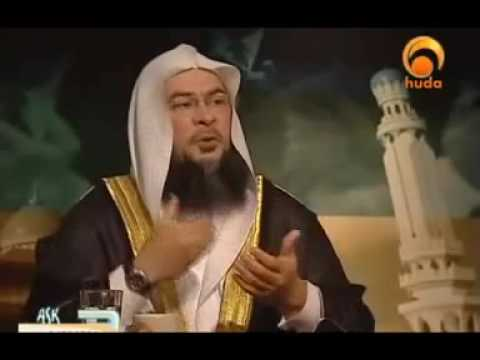 Sheikh Assim L. Al Hakeem -Are we allowed to close our eyes while praying