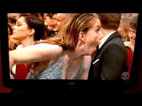 2017 Emmys Awards Anna Chlumsky's hilarious reaction When Sean Spicer appearance on stage