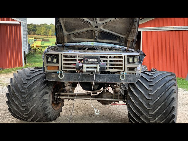 Carl the MONSTER truck BLOWS MOTOR and LAUNCHES DRIVESHAFT