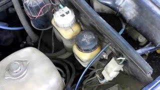 видео Ваз 2106 2103 замена тормозной жидкости