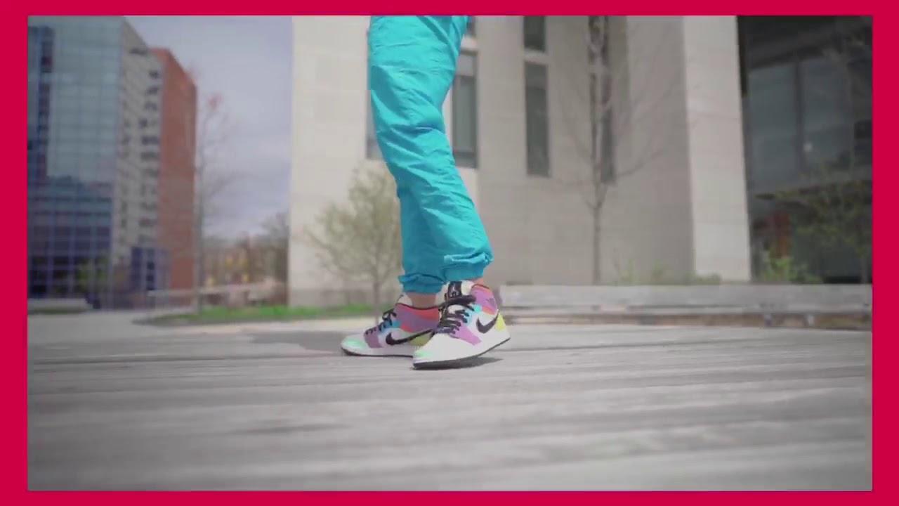 air jordan 1 mid on feet women