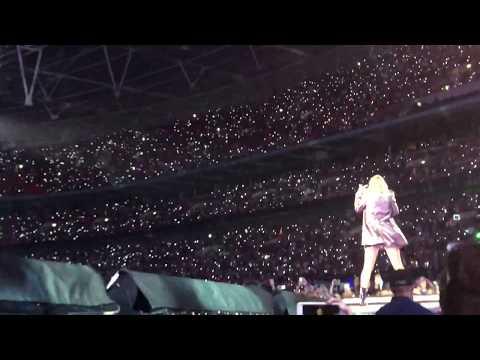 Taylor Swift - Getaway Car (Live)
