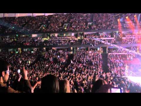 GLEE TOUR 2011  -