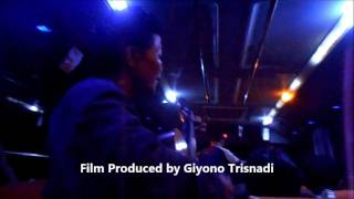 GT-PL #3 Pengamen Ibu2 Mahir Main Gitar Lagu Kenangan. Malam Jalanan Jakarta 1