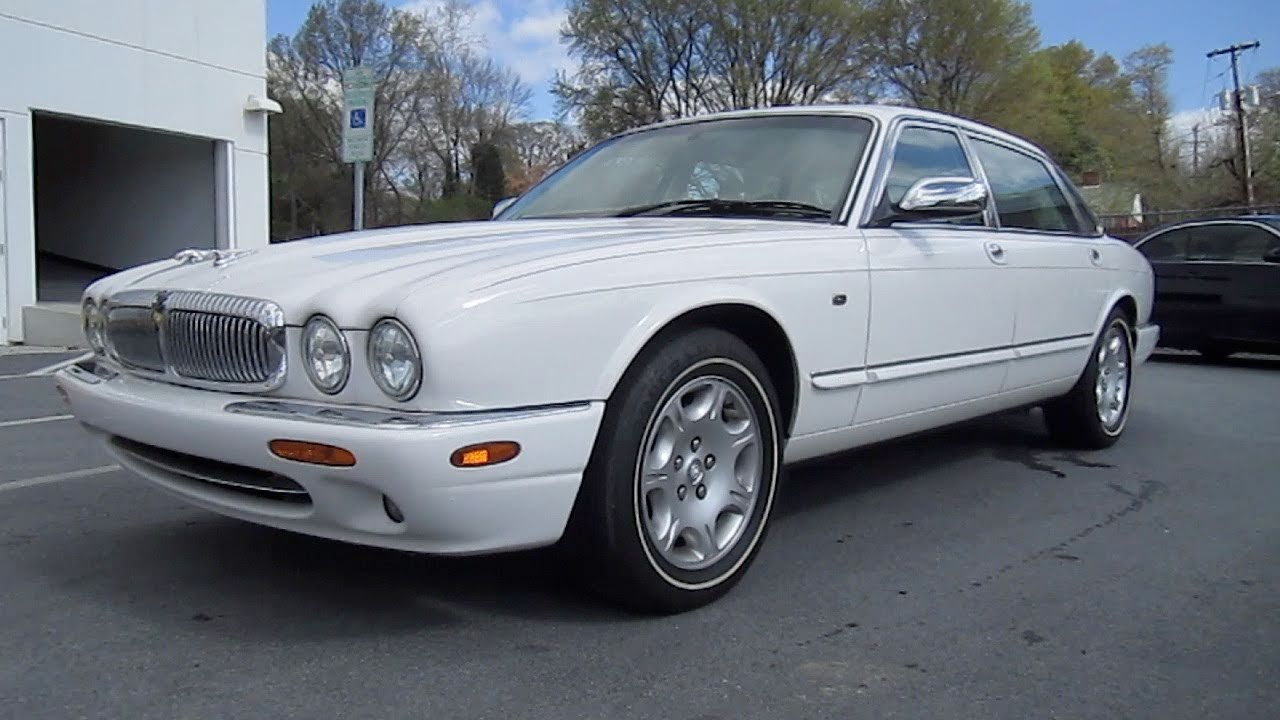 2001 Jaguar XJ8 Vanden Plas Start Up, Engine, and In Depth Tour