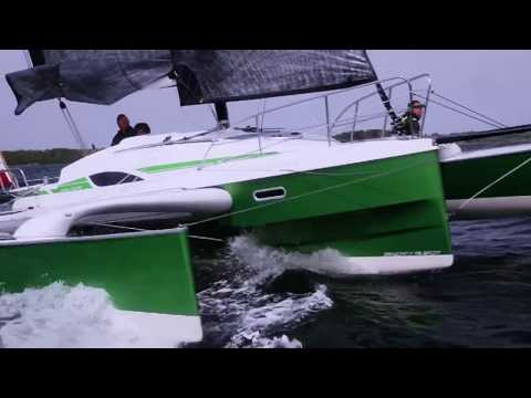 Dragonfly 28 Sport - Dragonfly Trimaran Charter