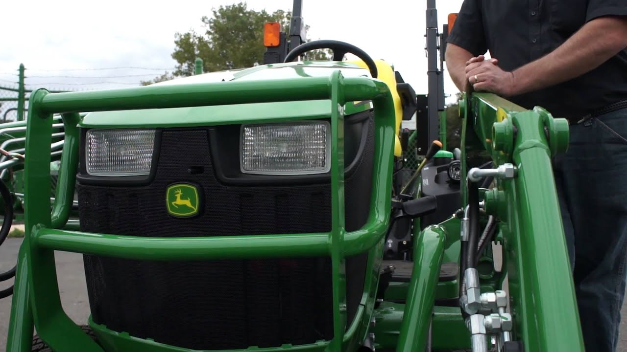 John Deere 1025 and its Attachments