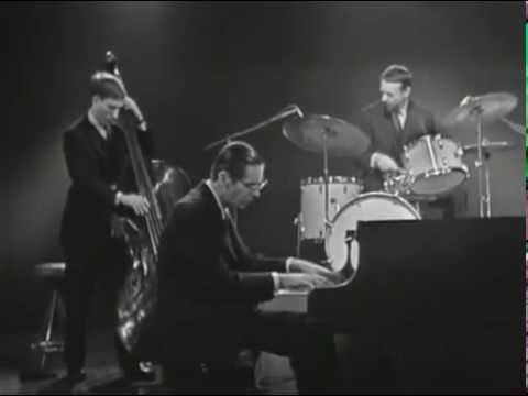 The Trio And The Orchestra P193725 in addition BtHSVMXZYoU also Oscar Peterson Nelson Riddle in addition Oscar Peterson 2007 Berlin Concert Dvd furthermore The College Boyz. on oscar peterson my foolish heart