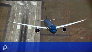 Boeing Vietnam Airlines 787-9 Dreamliner Vertical Takeoff & Steep Turns 2015 Paris Air Show Prep