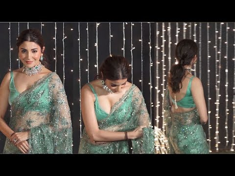 anushka sharma sttuning looks at priyanka and nick wedding reception