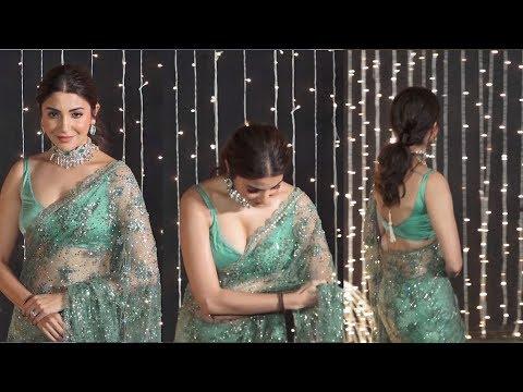 anushka sharma sttuning looks at priyanka and nick wedding reception