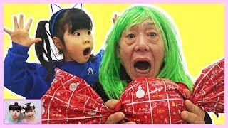 할아버지!사탕을 먹었더니 머리색이 변했다구요? Kinderlieder Und Lernfarben with Giant Candy Ball Kids Children#6   Romiyu