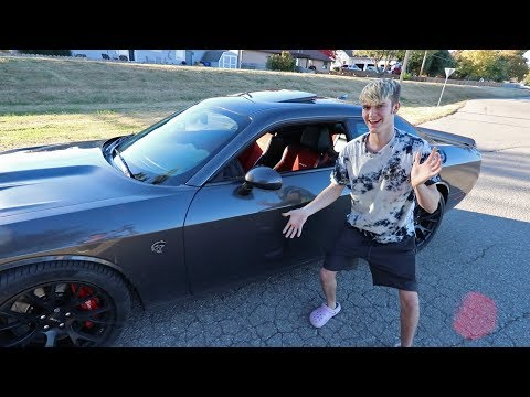 LEARNING MANUAL IN A 700HP HELLCAT!