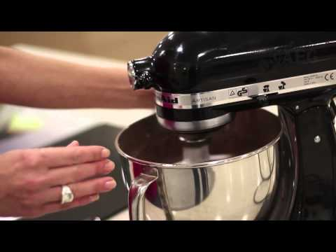 Chocolate and pomegranate cupcakes - Cook with AEG