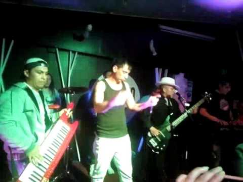 """Cumbia Piola"" en vivo moloko pub (Pto.Montt)"