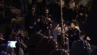 "[Raw footage] 20141130 Umbrella Revolution - ""We are civilians not mobs, we will not harm you."""