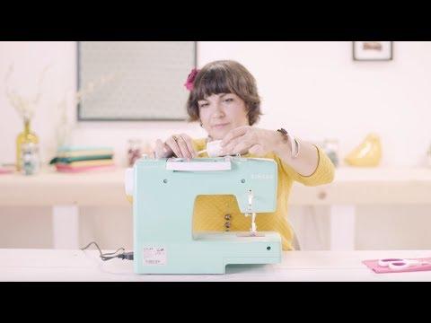 """Vidéo """"Comment utiliser une machine à coudre ?"""" - (Voix officielle des Tutos couture de Mondial Tissus sur Youtube)"""