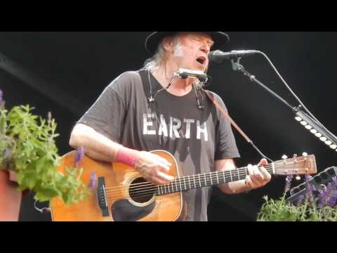 Neil Young + Promise Of The Real - Razor Love - July 20, 2016 Leipzig