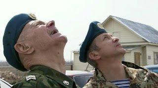 Старейший десантник Татарстана Павел Клетнев совершил очередной прыжок с парашютом.