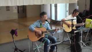 枚方市総合福祉会館ラポールひらかたで開催した「いこいのミニライブ」...