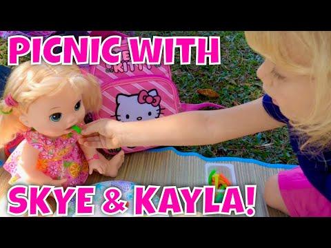 Picnic with Baby Alive Kayla at Lili'uokalani Park  in Hawaii 🌳🌷🌴🌺🌲🌻