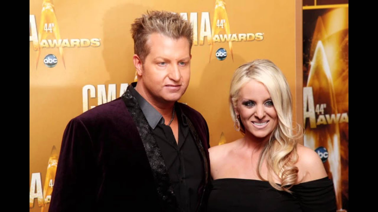 Husband and wife couple: Gary LeVox and Tara LeVox