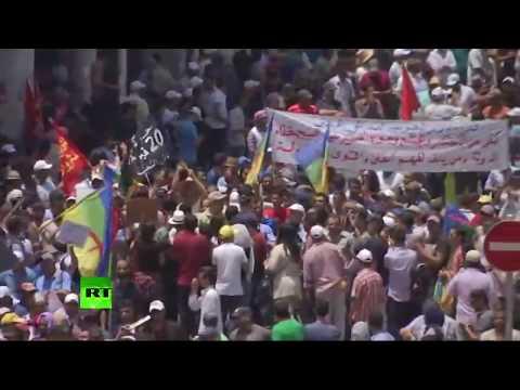 Des milliers de Marocains manifestent dans le centre de Rabat (Direct du 10.06)