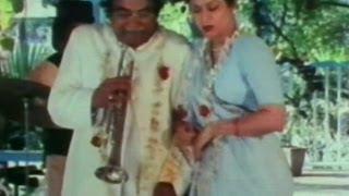 Mehroo Ki Rustam Se Full Song | Soorma Bhopali | Arun Irani, Jagdeep