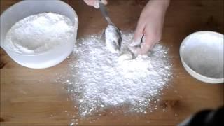 Как из домашнего маршмеллоу сделать сахарную мастику(Как приготовить? || мастику из домашнего маршмеллоу Тут я показываю, как можно вымесить мастику для обтяжки..., 2015-04-14T09:00:47.000Z)