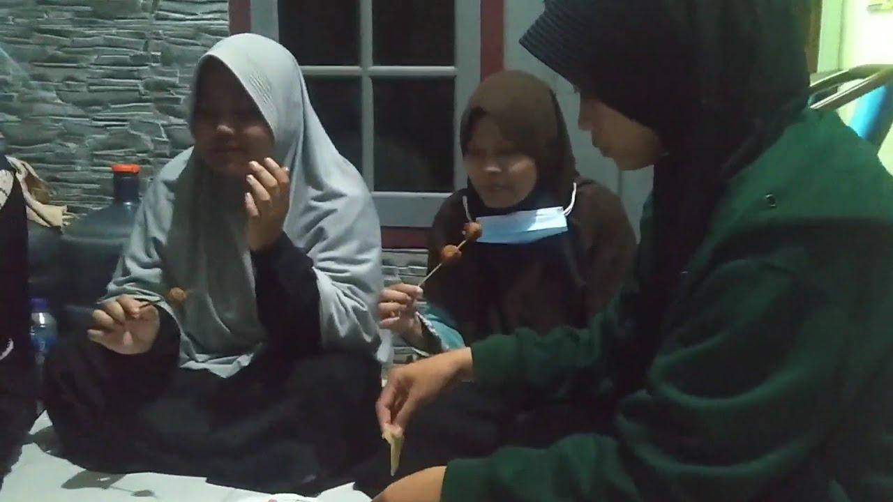 Mukbang Bakso Bakar Ala Anak Zaman Now // Wajib Coba Di Rumah