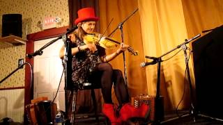 Sharon Shannon fiddle at Old Songs