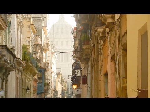 Havana - Capitolio - Calle Brasil - Plaza Vieja