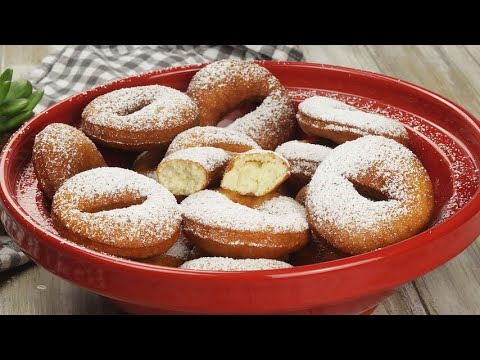 Quick donuts sweet and ready in few minutes