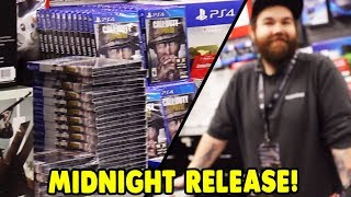 Call Of Duty World War 2 Gamestop Midnight Release Vlog! - 😱 The Manager Let Me Film!