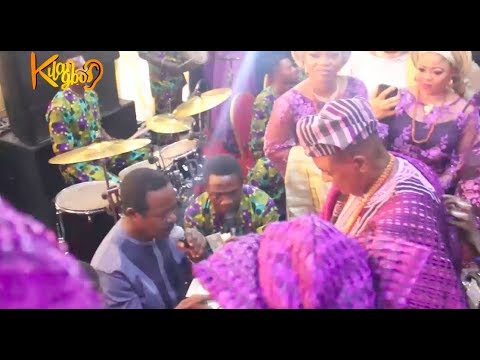 KING SUNNY ADE PERFORM FOR ALAAFIN OYO OBA LAMIDE ADEYEMI @ 80TH AS WIFES & CHILDREN DANCE 2GETHER