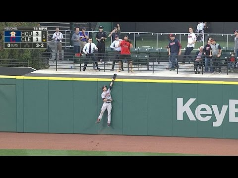 Reddick robs Kipnis with incredible catch