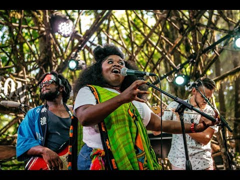 Tank And The Bangas - Dreaming-Crazy Reloaded-Quick - Woods Stage @Pickathon 2017 S05E01